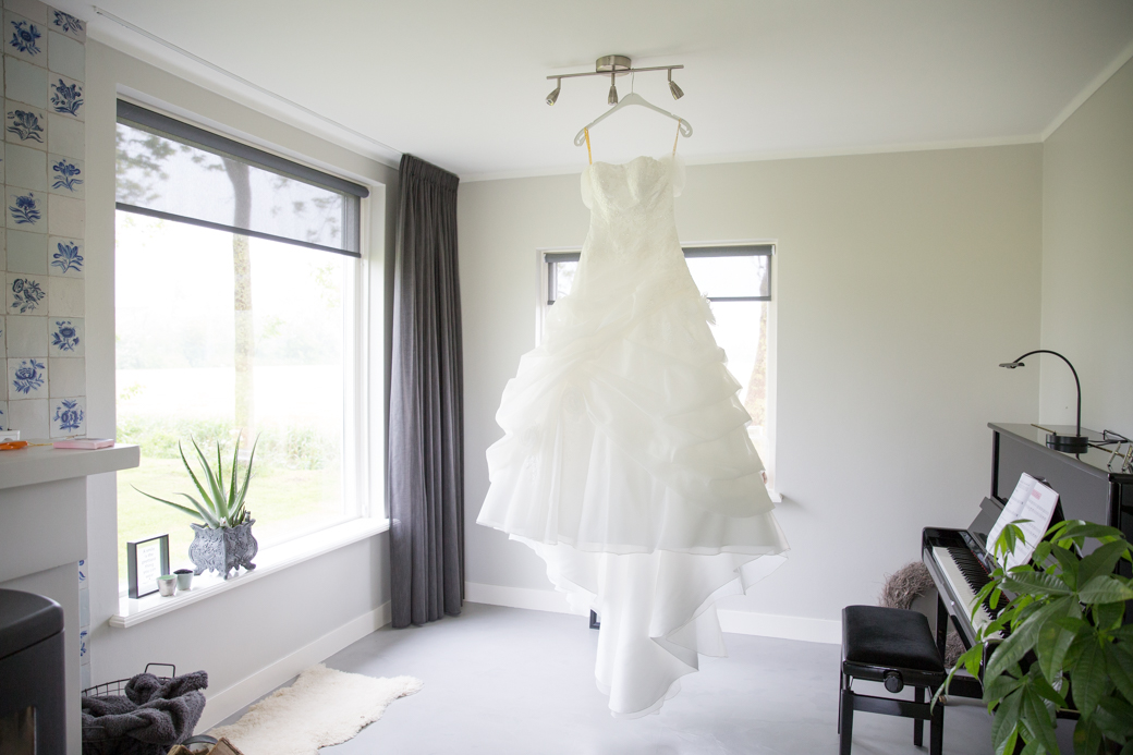 Sineke had een schitterende trouwjurk waarin ze zich helemaal happy voelde.