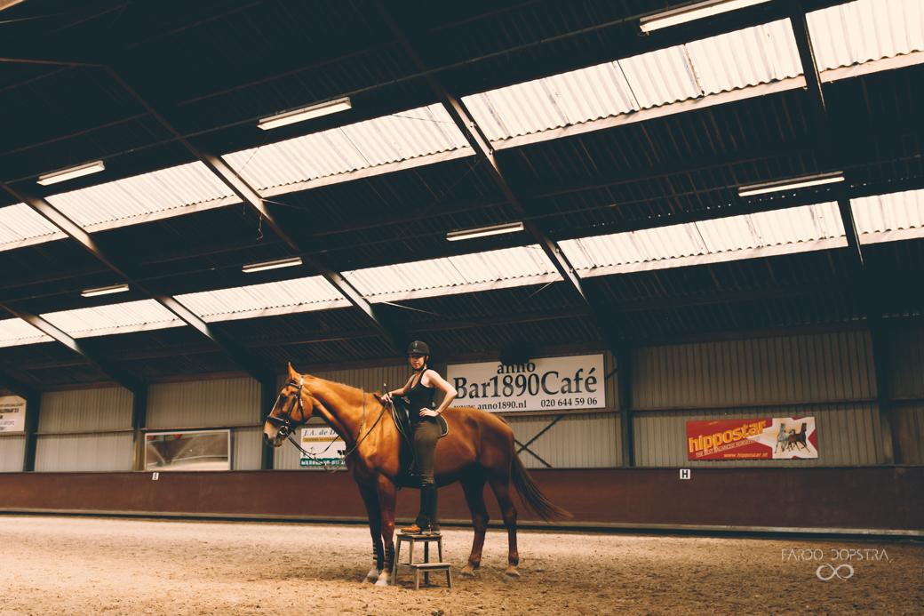 Paardrijden op manege