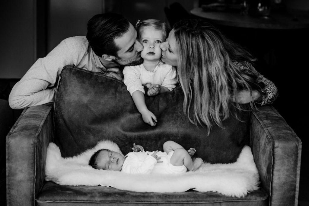 Fmilieportret met newborn
