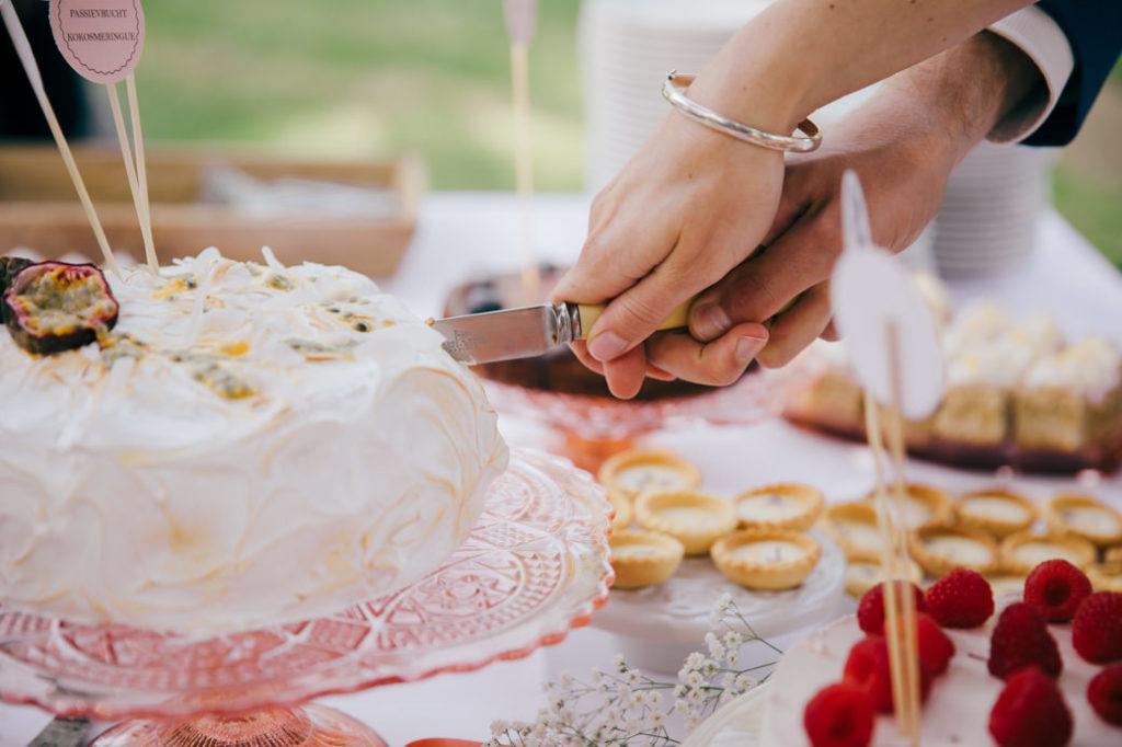 Sweet Table van Saakje het bakmeisje met de perfecte bruidstaart